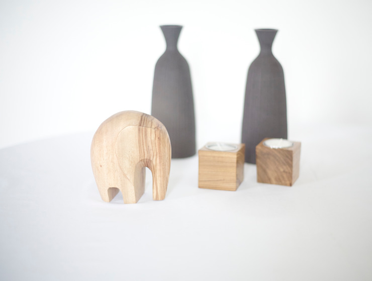 Our Beautiful Elephant Sculptures:  Living room by Nilare,