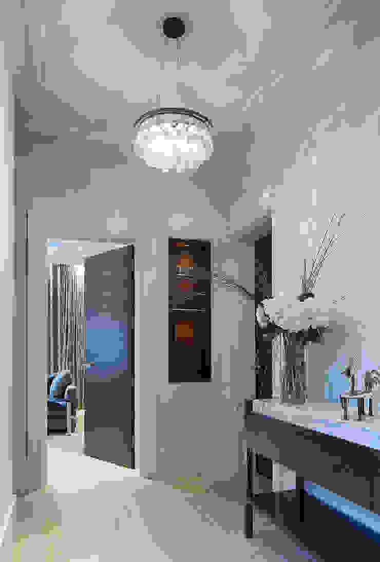 Folio Design | The Crafted House | Hallway Folio Design Modern corridor, hallway & stairs