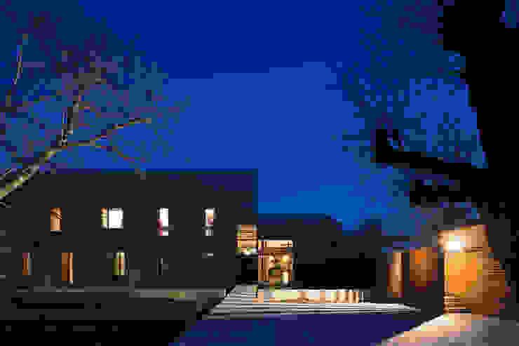 VUE DE L'ENTREE yann péron architecte Maisons modernes