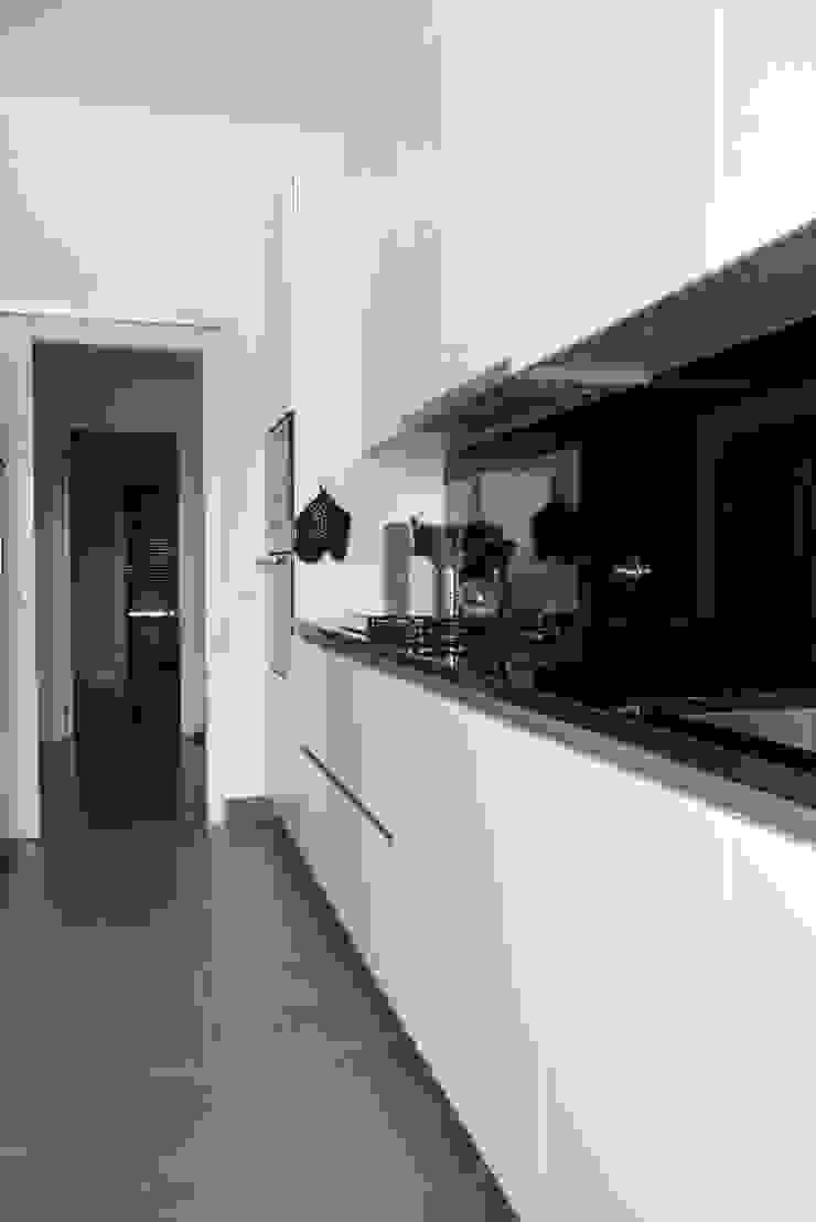 Apartamento Barão Costa Cozinhas modernas por Atelier Alvalade Moderno
