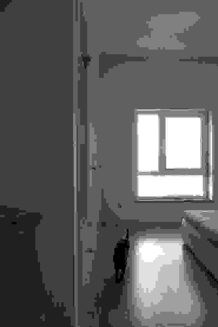 Apartamento Barão Costa Quartos modernos por Atelier Alvalade Moderno