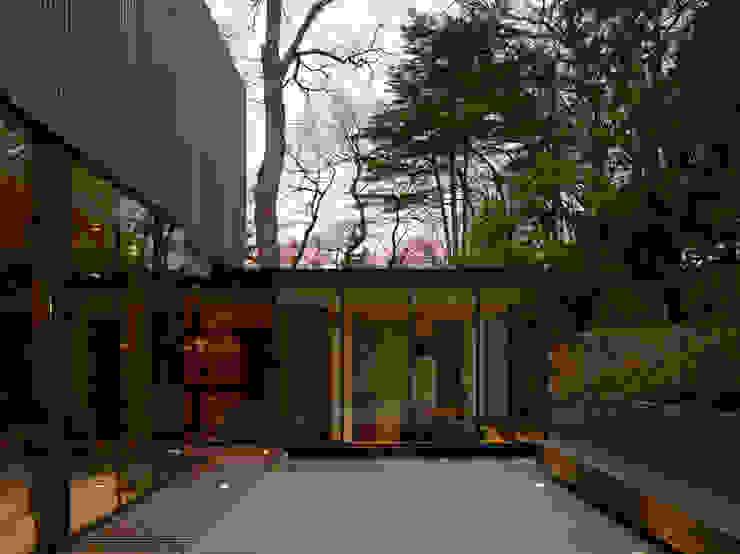 MAISON SUR LA CHEZINE Maisons modernes par yann péron architecte Moderne