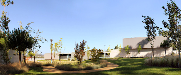 JARDIM PRIVADO DE URBANIZAÇÃO – MAIA Jardins modernos por Oh!land studio, lda Moderno