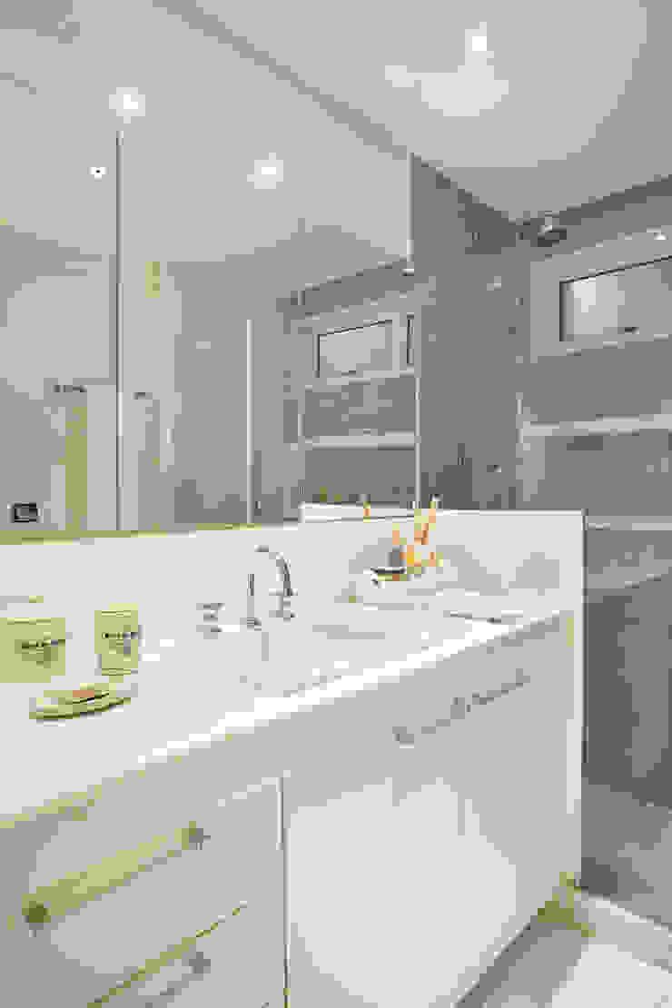 Apartamento Botafogo Banheiros ecléticos por Mariana Dornelles Design de Interiores Eclético