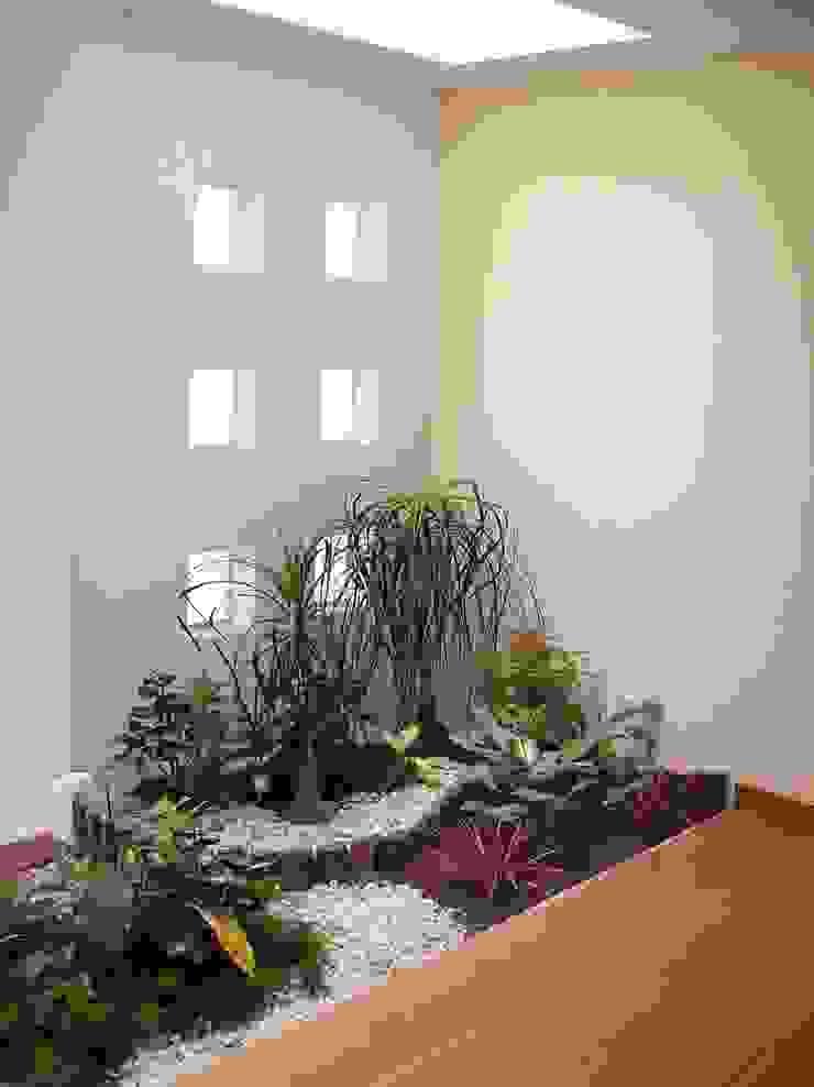 Koridor & Tangga Modern Oleh CouturierStudio Modern