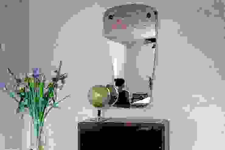 Lustro vintage Eklektyczny salon od Loft Kolasiński Eklektyczny Drewno O efekcie drewna
