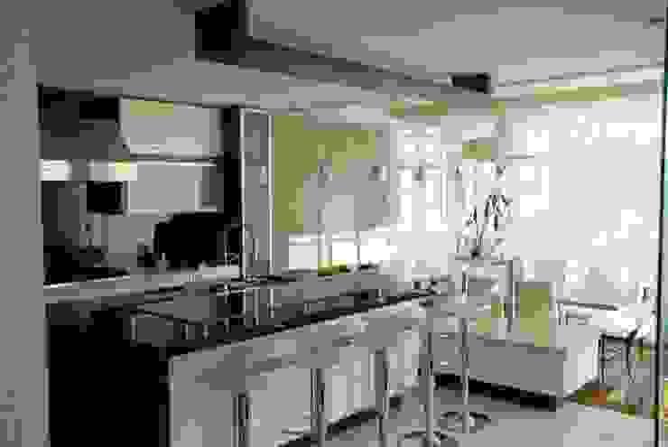 Casa el Hatillo Cocinas de estilo minimalista de FergoStudio Minimalista