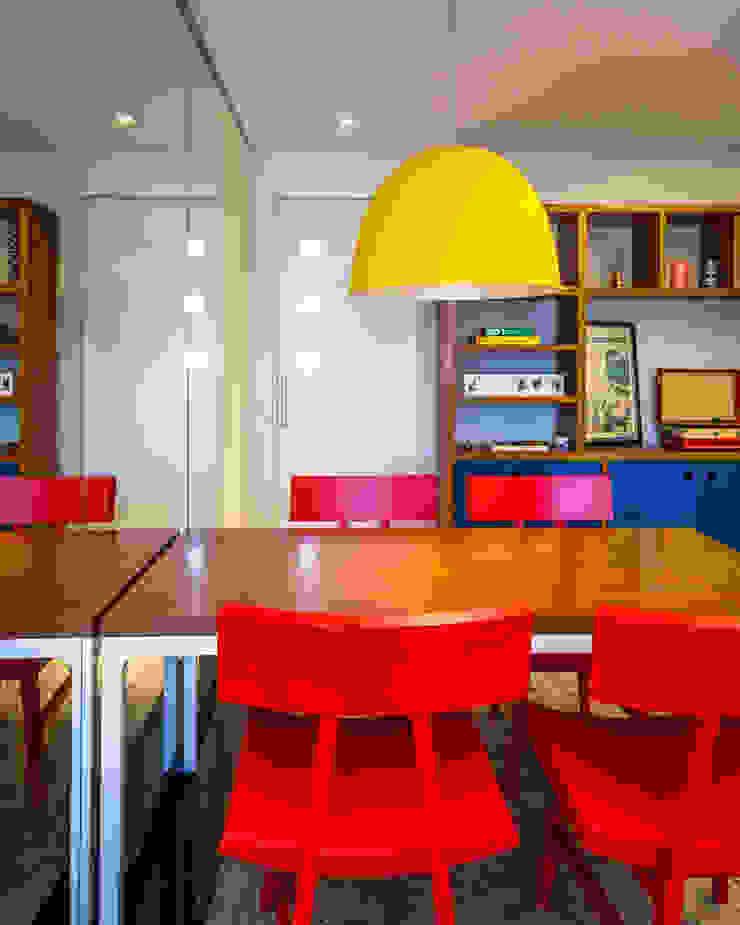 Comedores de estilo moderno de Enzo Sobocinski Arquitetura & Interiores Moderno Madera Acabado en madera