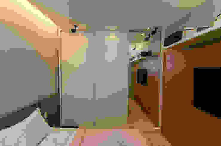 Residência Henrique Dumont Quartos modernos por LMartins Fotografia Moderno