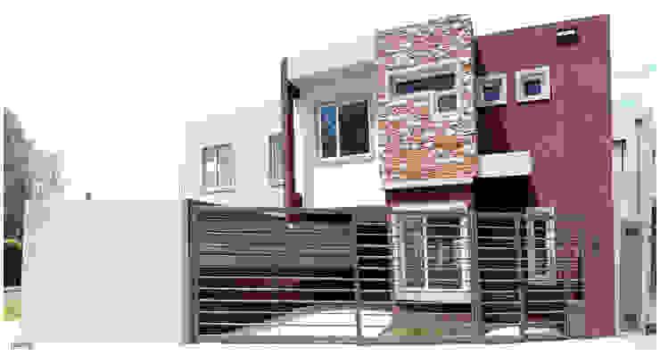 Modern houses by Silvana Valerio Modern