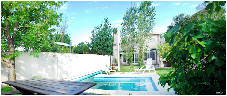 Jardines de estilo moderno de Silvana Valerio Moderno