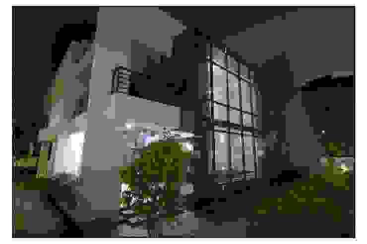Thane Site Modern corridor, hallway & stairs by CK Interiors Pvt Ltd Modern