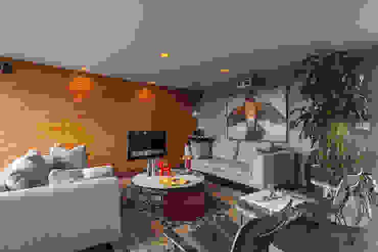 DEPARTAMENTO EN LA CONDESA II: Salas multimedia de estilo  por MAAD arquitectura y diseño, Ecléctico