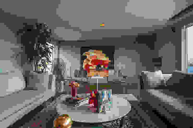 Salas multimedia de estilo ecléctico de MAAD arquitectura y diseño Ecléctico