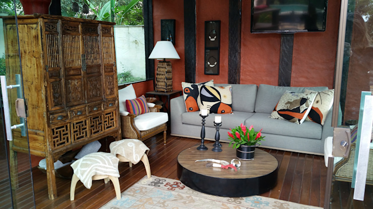 Gláucia Britto Country style living room