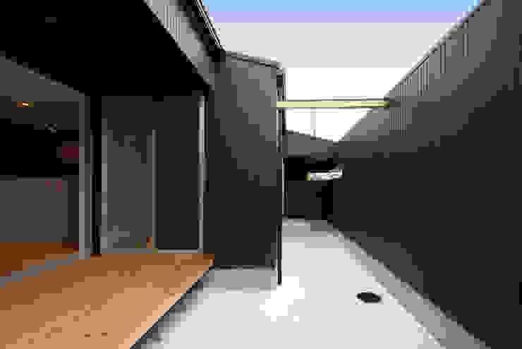 周防大島町の家 モダンデザインの テラス の アトリエ イデ 一級建築士事務所 モダン