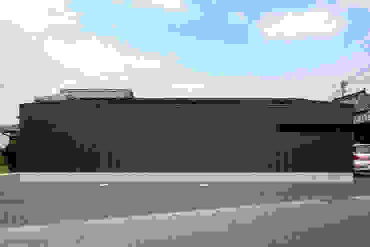 Rumah oleh アトリエ イデ 一級建築士事務所, Modern
