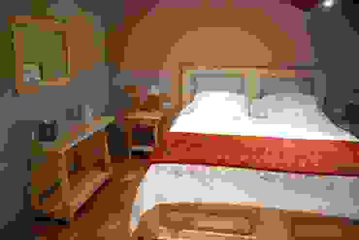 Porte del Passato DormitoriosCamas y cabeceros Madera Acabado en madera