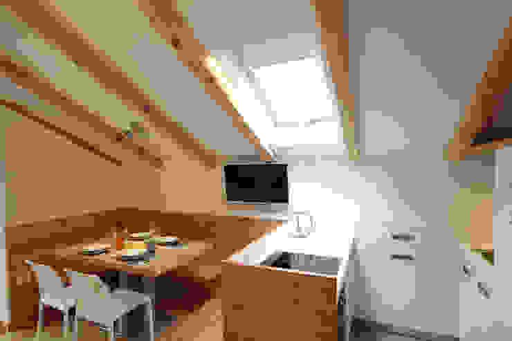 現代廚房設計點子、靈感&圖片 根據 zanella architettura 現代風 木頭 Wood effect