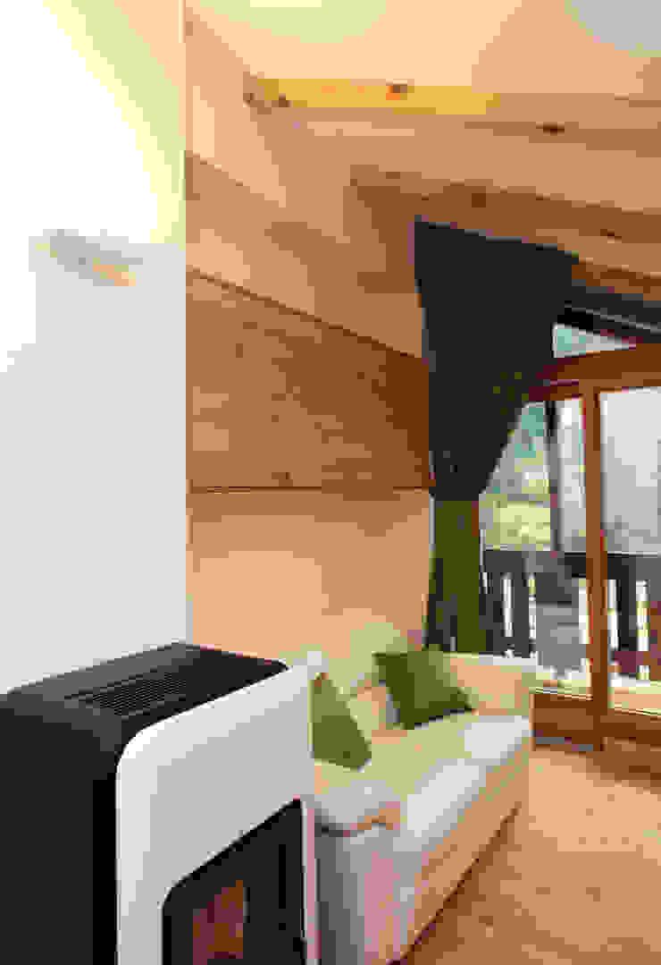 现代客厅設計點子、靈感 & 圖片 根據 zanella architettura 現代風 木頭 Wood effect