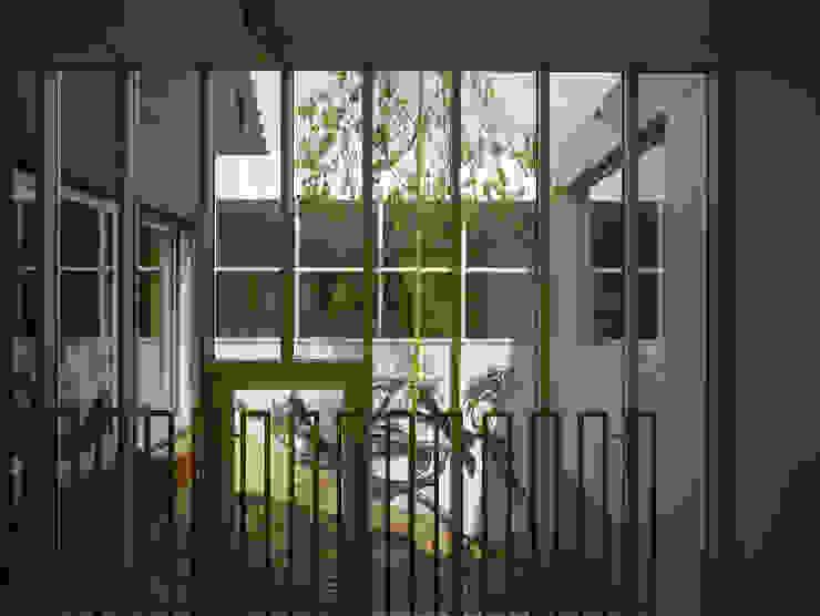 Villa in de duinen, Hoek van Holland Moderne tuinen van De Zwarte Hond Modern