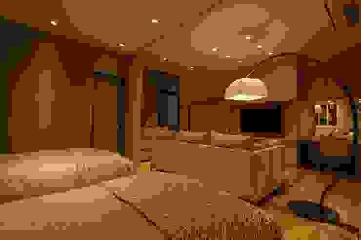 Gest Room 和風の 寝室 の 株式会社Juju INTERIOR DESIGNS 和風 木 木目調