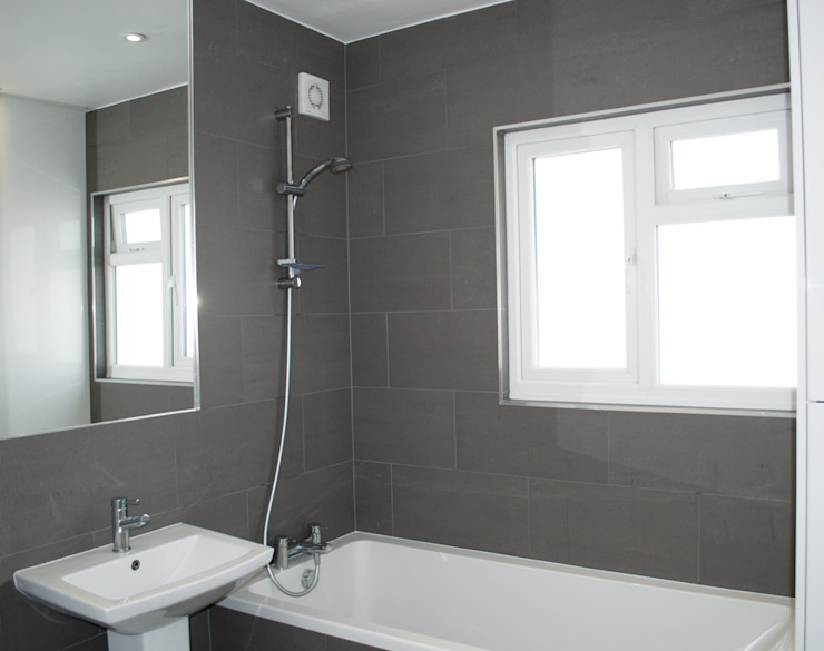 THE HANWELL CONVERSION Modern bathroom by The Market Design & Build Modern