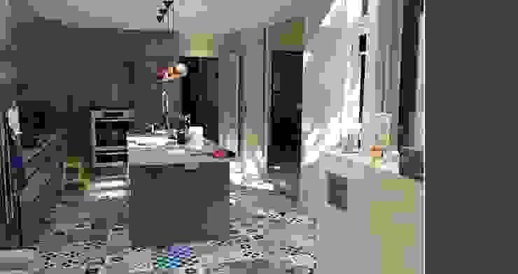 Modern kitchen by Pinar Miró S.L. Modern