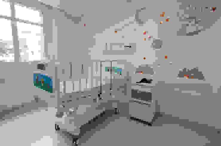 Hospital São Luiz Jabaquara Quartos modernos por LMartins Fotografia Moderno