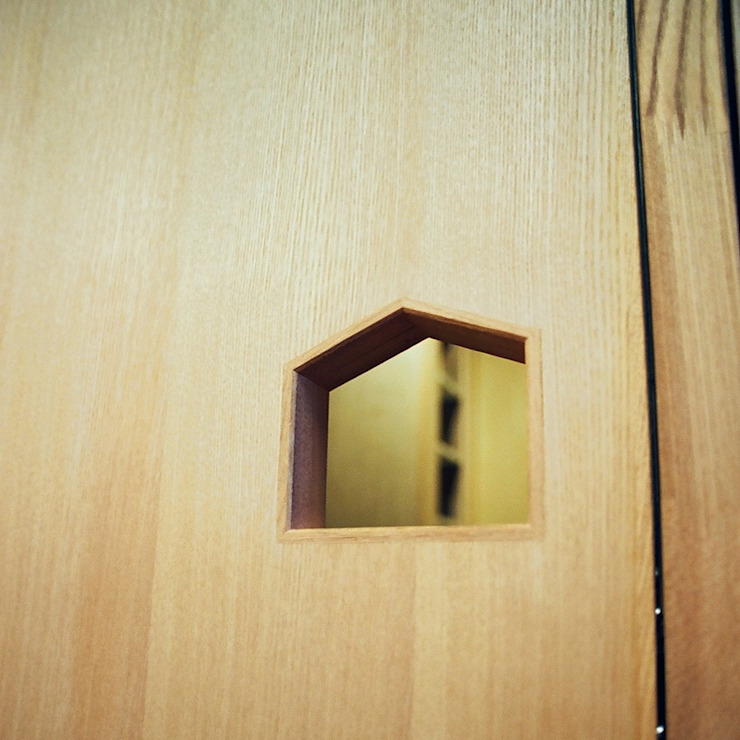 透き抜ける家 モダンな 窓&ドア の 麻生建築設計工房 モダン
