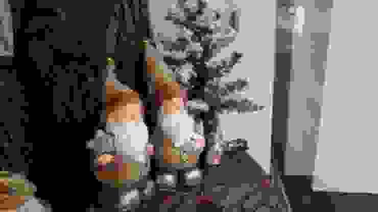 Pai Natal em Cerâmica com gorro teciso por Maravilhas do Berço Lda Moderno Cerâmica