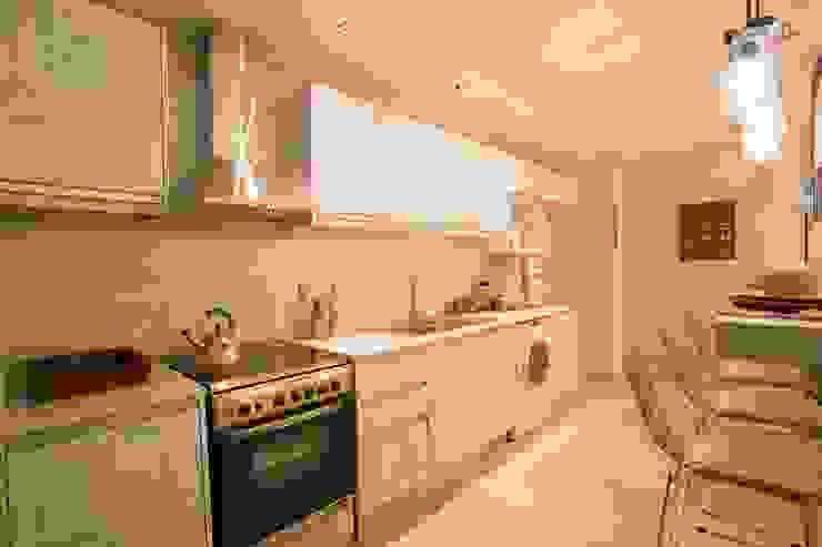 VIVIR Y TRABAJAR JUNTO AL MAR Cocinas modernas: Ideas, imágenes y decoración de Ines Calamante Diseño de Interiores Moderno