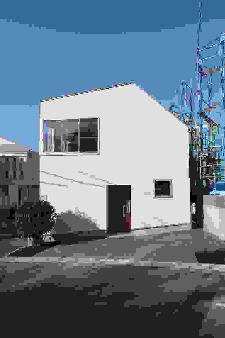 青葉台の家 モダンな 家 の shibuya モダン