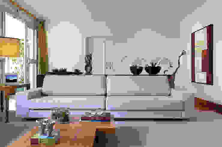 Ap DR| Alto de Pinheiros SP Salas de estar modernas por Flavia Castellan Arquitetura Moderno
