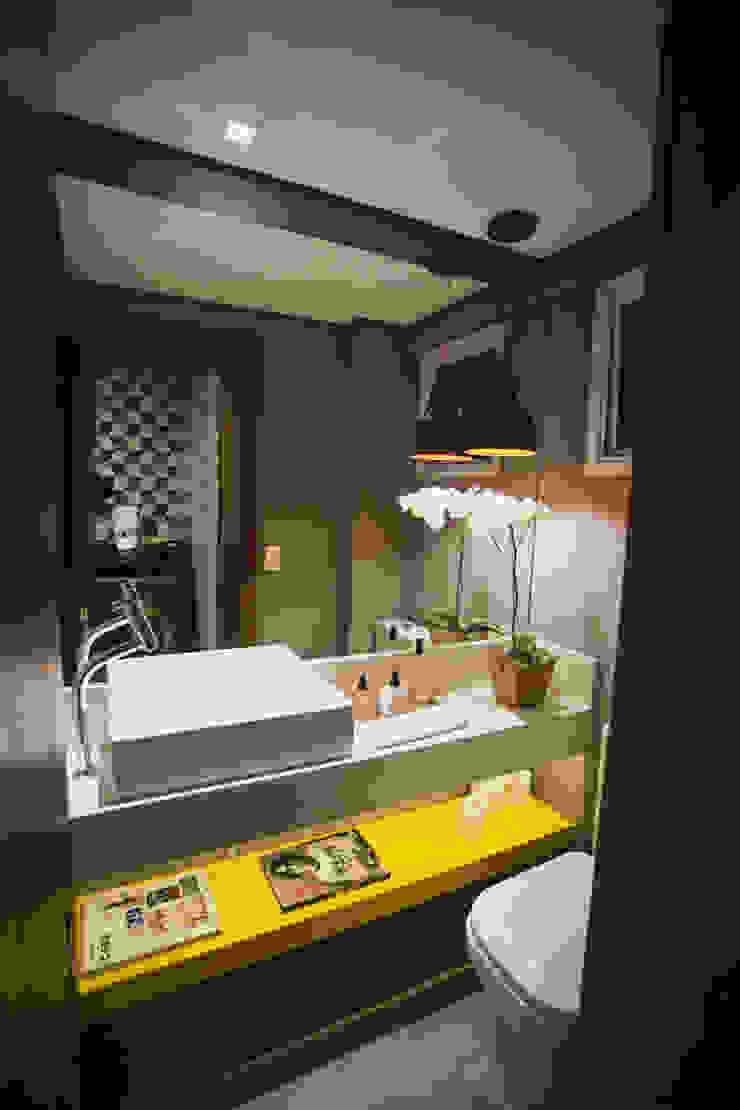 APARTAMENTO GS114 Banheiros modernos por Aquadrado Arquitetura Moderno