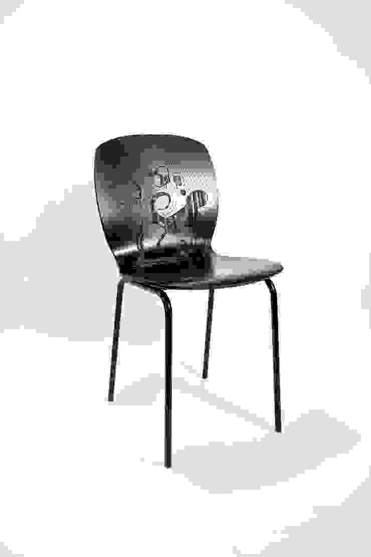 """""""YOURS"""" stoel van ontwerpstudio Roi de Bruijn Eclectisch"""