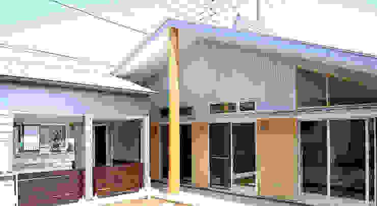 庭側の外観 モダンな 家 の モリモトアトリエ / morimoto atelier モダン 金属