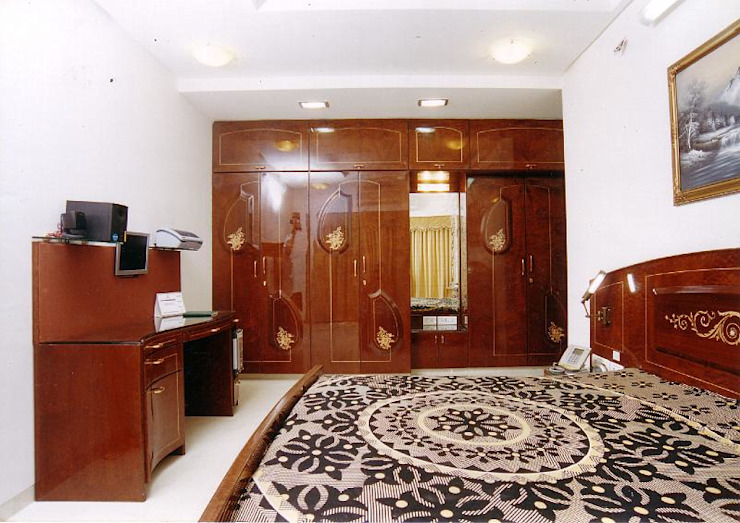 Apartment Modern style bedroom by NAMAN INTERIORS - Turnkey Interior Contractors Modern