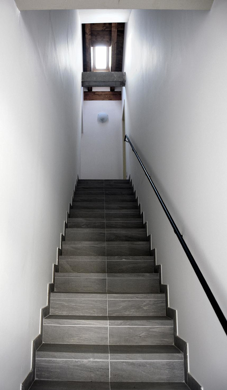 Industrial style corridor, hallway and stairs by NCe Architetto Industrial