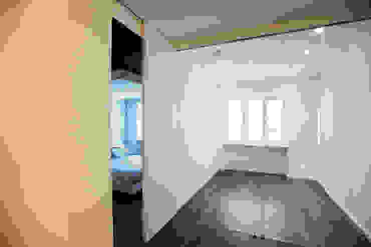 RESIDENZA PRIVATA | Torino | 2013 Pareti & Pavimenti in stile moderno di studio AGILE Moderno