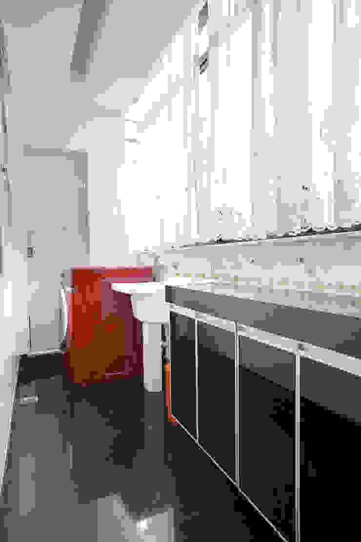 Área Serviço Corredores, halls e escadas modernos por Mágda Braga Interiores Moderno Cerâmica