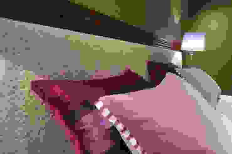 Quarto de Casal 1 Quartos clássicos por Stoc Casa Interiores Clássico