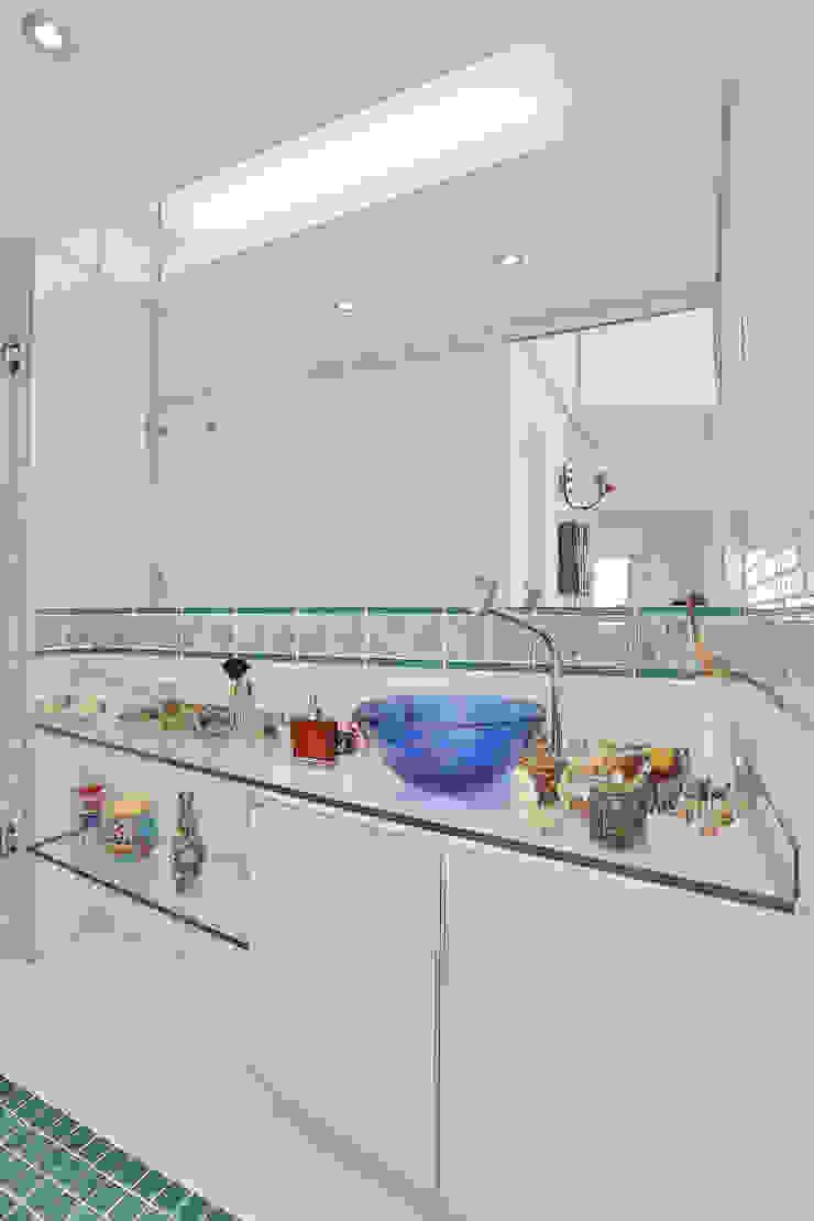 Banho Cobertura Banheiros modernos por Mágda Braga Interiores Moderno