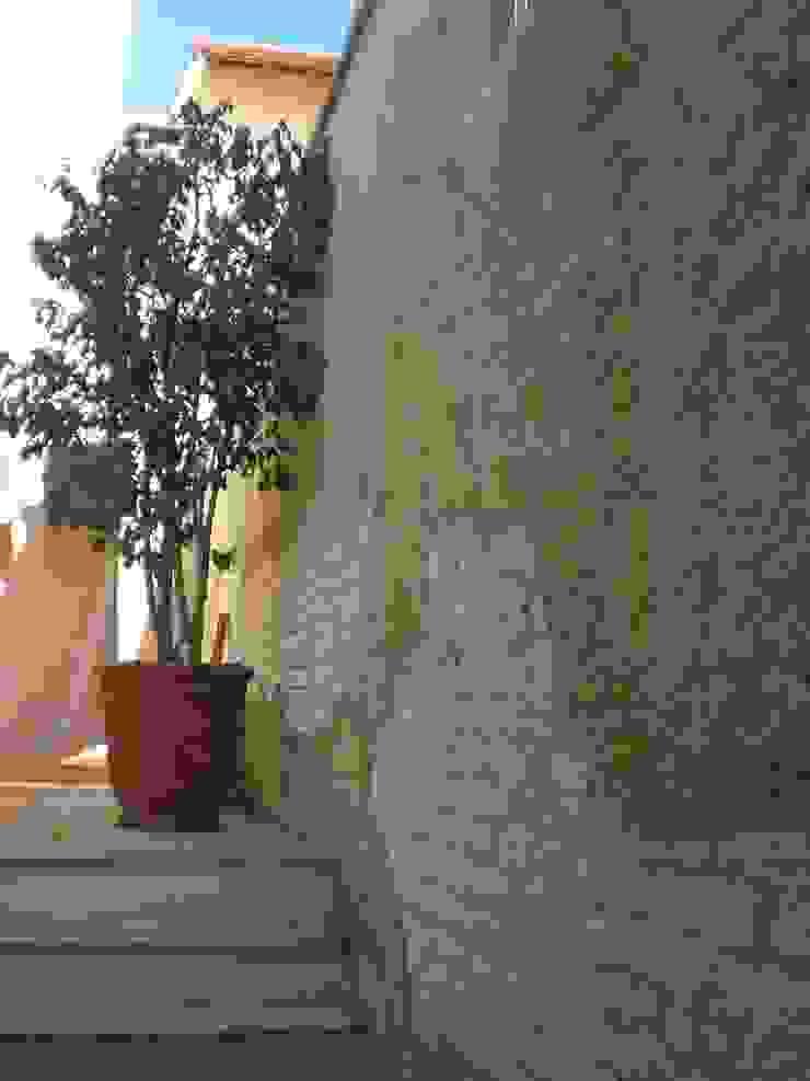 Corredor Lateral por Ornella Lenci Arquitetura