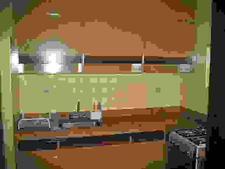 Cozinha - ANTES por Ornella Lenci Arquitetura