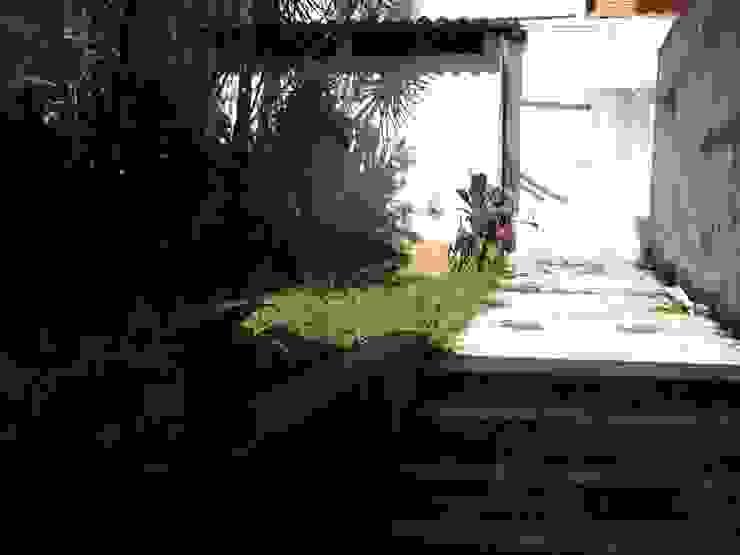 Corredor Lateral - ANTES por Ornella Lenci Arquitetura