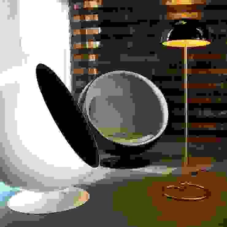 Lámpara de pie Española Livings modernos: Ideas, imágenes y decoración de Griscan diseño iluminación Moderno