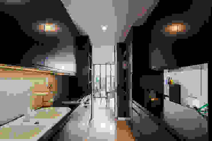 Moderne Küchen von Floret Arquitectura Modern