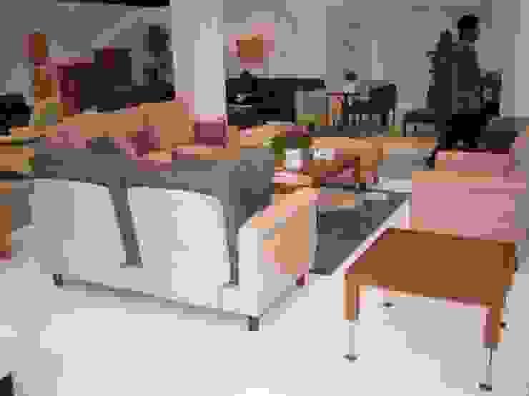 settimana: TANIGAWA STUDIO 家具デザインが手掛けた現代のです。,モダン