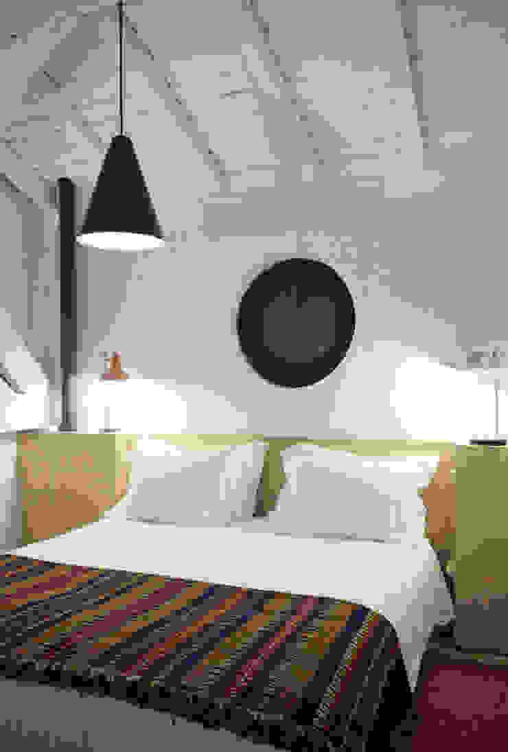 FOTOGRAFIA Hotéis minimalistas por COLECTIVO arquitectos Minimalista